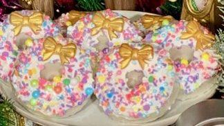 Xmas Wreath Donut Bomb